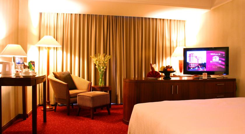 Suasana kamar di RedTop Hotel (gambar ngambil di  booking.com)