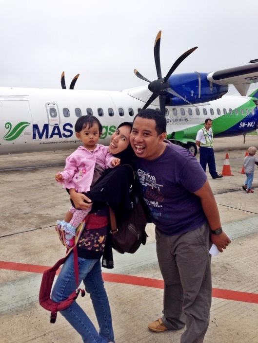 Pesawat Mas Wings ATR72 Pontianak - Kuhcing