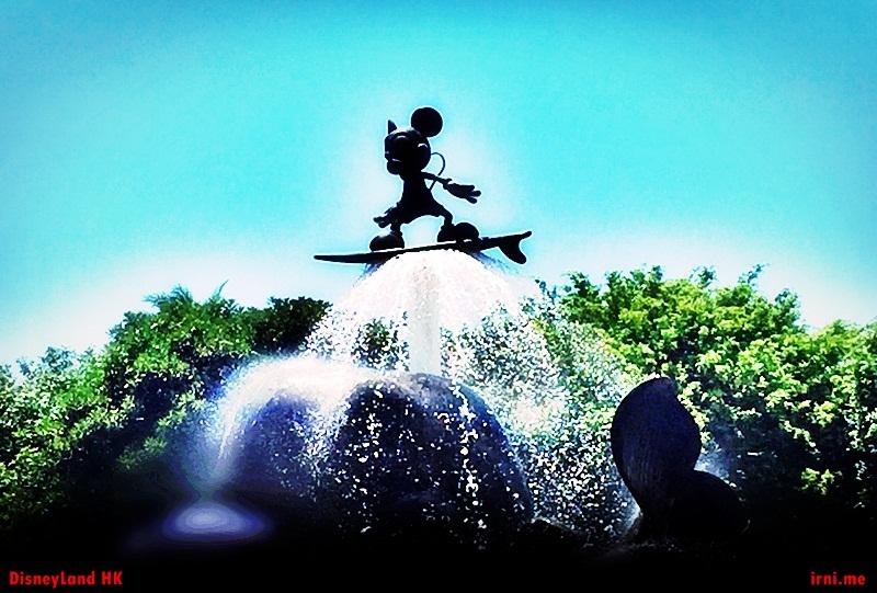 Air mancur Mickey Mouse di Hongkong Disneyland
