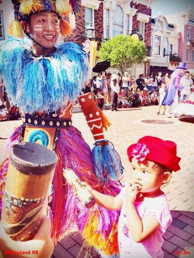Parade Disneyland Hongkong - Pas si K diajak maju buat nari bareng