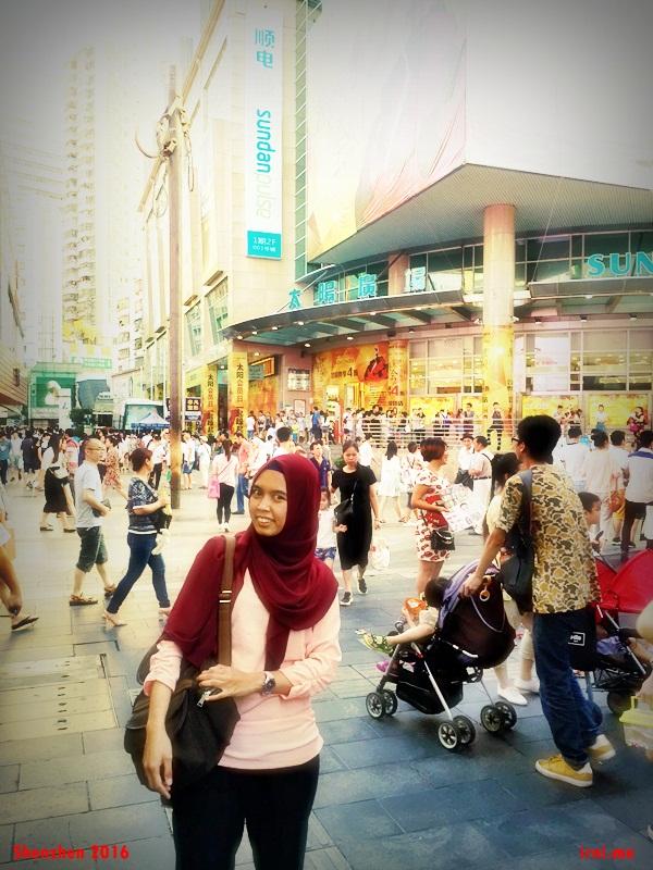 Ditengah keramaian di Shenzhen